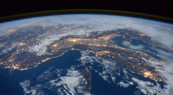 Nell'Earth Day WWF YOUng suona la sveglia per la Terra